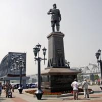 Памятник императору Александру III в Новосибирске