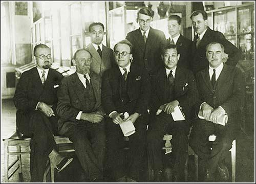 Групповой снимок в Этнографическом отделе Харбинского музея