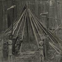 Фотография шаманского чума эвенков на реке Большой Пит, 1929 год